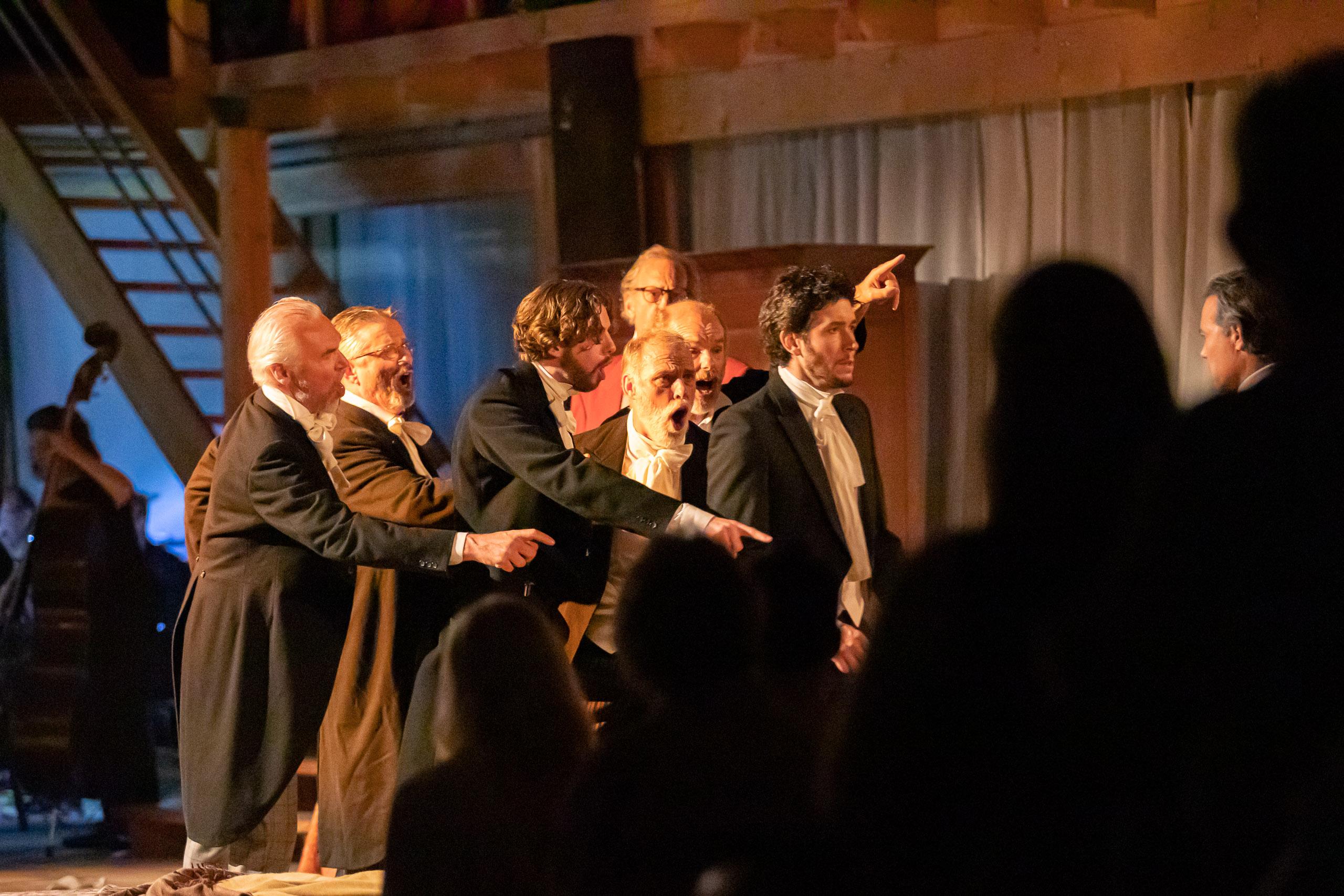 Opera La Traviata in een Groningse boerenschuur