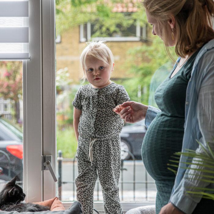 Lifestyle zwangerschapsshoot thuis